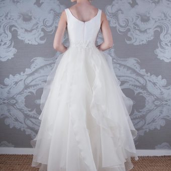 2017 Wedding Dress Alaska Back