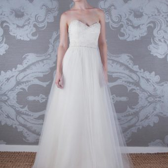 2017 Wedding Dress Elizabella Front